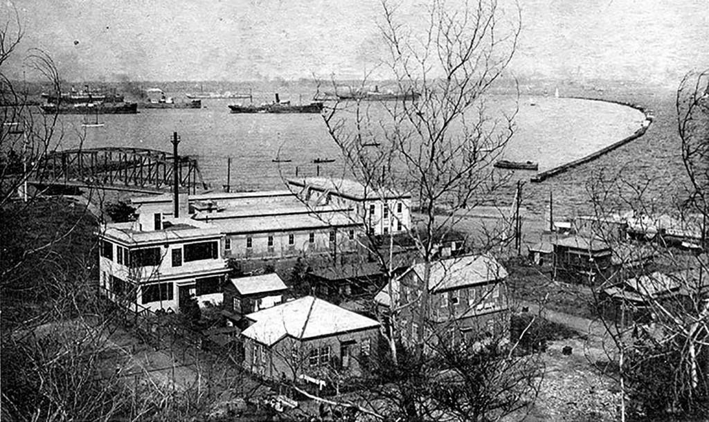 Порт Иокогамы. Сэмюэль Мейсон, посланник HIAS на Дальнем Востоке, добился открытия в Иокогаме представительства HIAS